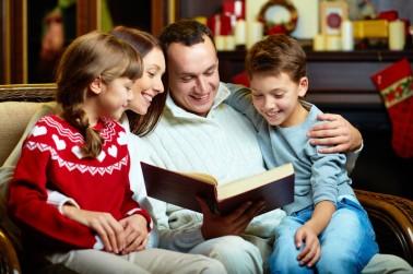 familyreadcanstockphoto11401514