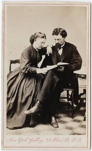 256px-Photograph_of_a_man_and_a_woman_reading_a_book