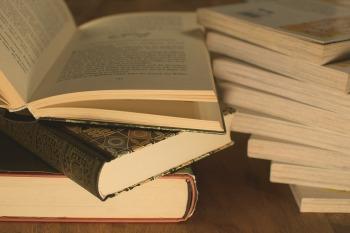 literature-3324039_960_720